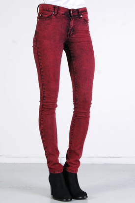Cheap Monday: Tight Remake Red
