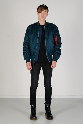 Alpha Industries: MA-1 Bomber Jacket