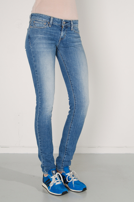 Levis - Slight Curve Skinny Troubled Blue