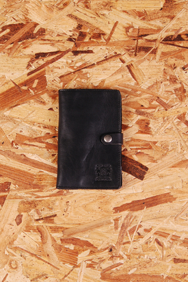 Nic & Mel: Iphone Wallet Black