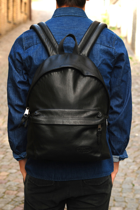 Eastpak: Padded Pak'r Black Leather