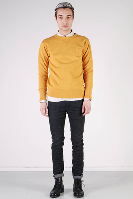 Edwin: College Crew Sweater Mustard