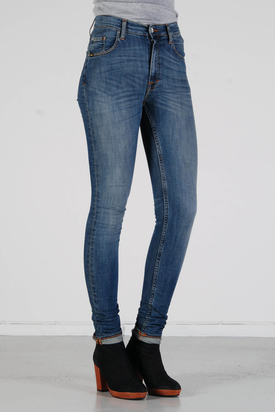 Tiger: Kelly Scarlett Medium Blue Jeans