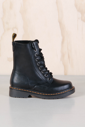 Dr Martens:1460 Drench Wellington Matt Black