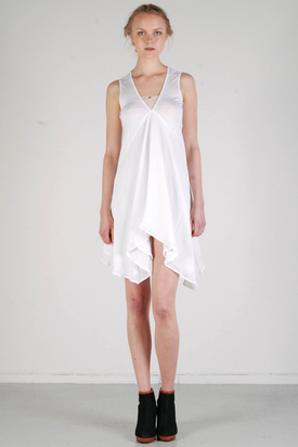 S'nob: Vanty White Dress