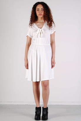Diis: Rosett Creme Dress