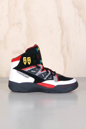 Adidas: Mutombo White Black