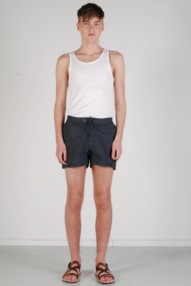 A.O.CMS: Viertel Shorts Washed Black FM