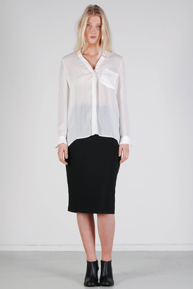 Noir & Blanc: V-neck Shirt White