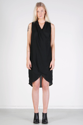 Noir & Blanc: Drape Dress Black