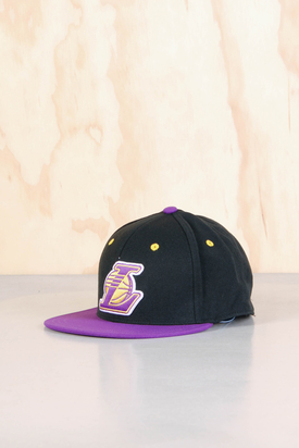 Adidas: NBA Fitted LA Cap