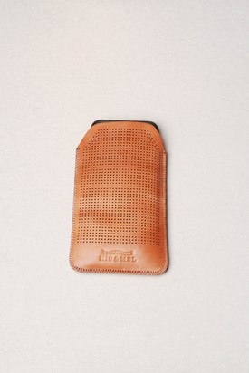 Nic & Mel: Keaton Iphonefodral Perforated Cognac Iphone 5