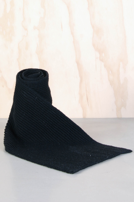 Cheap Monday: Edwin Scarf Black