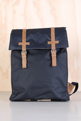 Eastpak: Astonish Pur Black