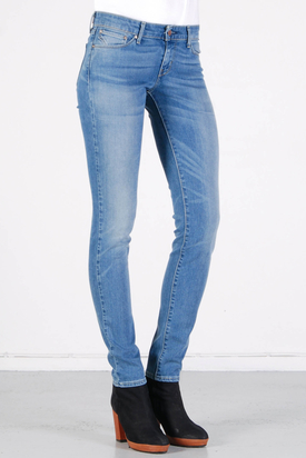 Levis: Demi Curve Skinny Medium Bleach