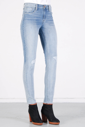 Levis: Hi Rise Skinny Ice Patch