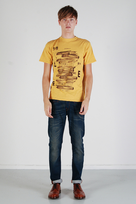 Lee: Journals Tee Yellow